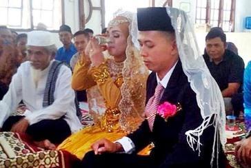 mahar pernikahan segelas air putih